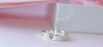 Lovering, zilveren ring met hart, Mimmie Sieraden