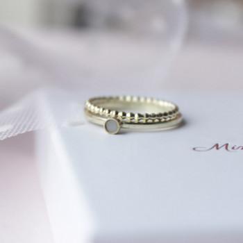 ring-van-elk-kindje-goud-rond-kleine-ruimte-moedermelk-goud_mimmie-ringen_mimmie-3251_geboortesieraden