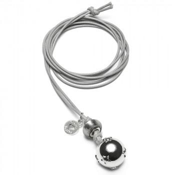 babybell-basic-rond-bal-met-sterren-zilverkleur-grijs-koord_pm-394_proudmama_geboortesieraden_019