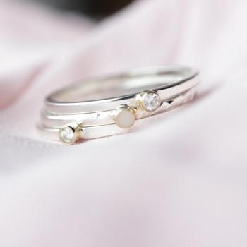 ring-geboorteringen-birth-fijn-maandsteen-geboortesteen-moedermelk-zilver-goud_mimmie-ringen_mimmie-3263-2