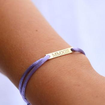 gouden-bar-armband-satijn-koord-met-gravure-persoon_jf-bar-armband-satijn_justfranky-984