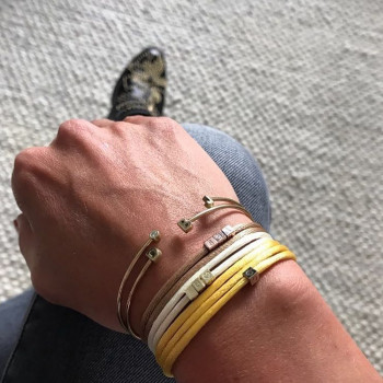 gouden-cube-3-letters-symbool-armband-satijn-persoon_jf-cube-3-letters-symbool-armband_justfranky-972-970