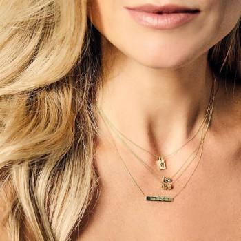 gouden-hanger-capital-diamant-gedragen-persoon_jf-capital-diamant-collier_justfranky-961
